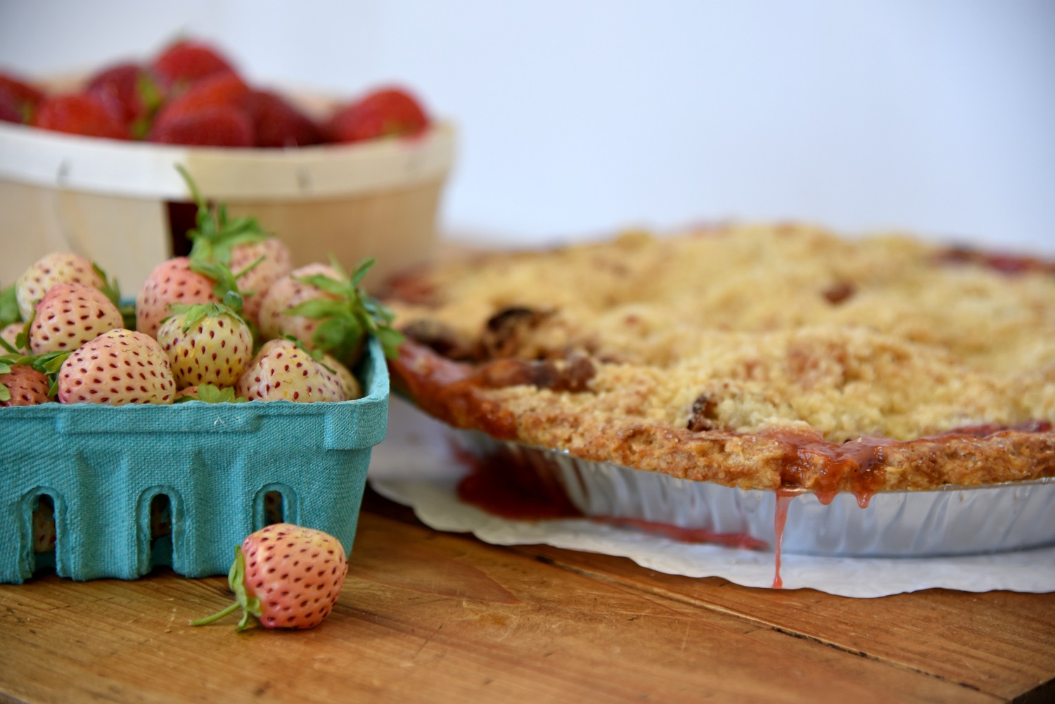 strawberry rhubarb pie cinnamon spices victoria gourmet recipes