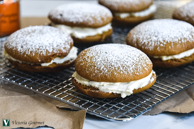 pumpkin whoopie pies spices seasoning victoria gourmet recipe
