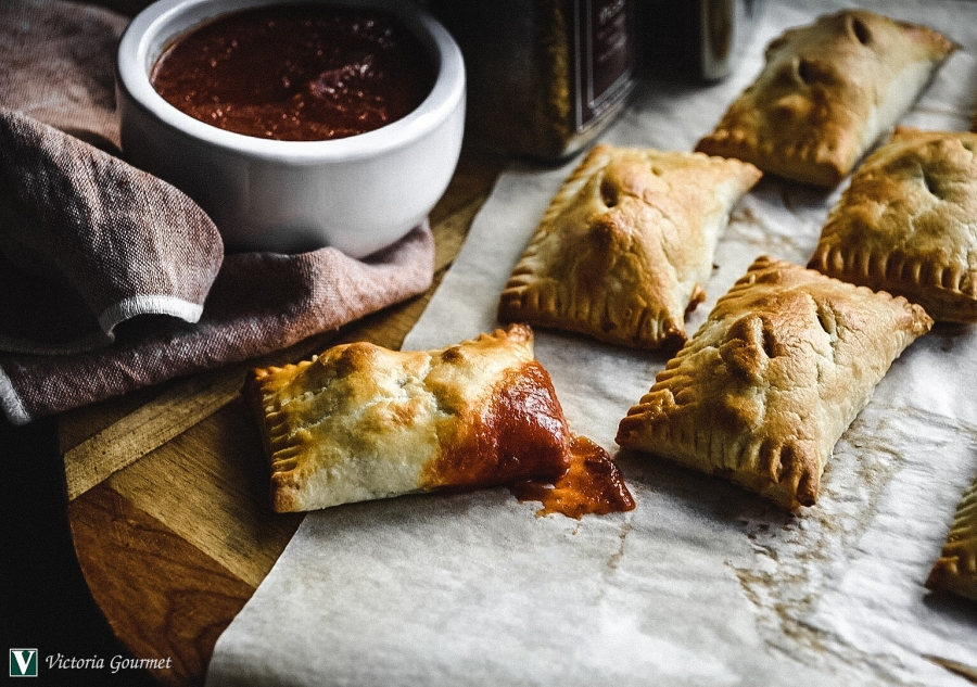 pizza pockets handpie seasoning spices victoria gourmet recipe